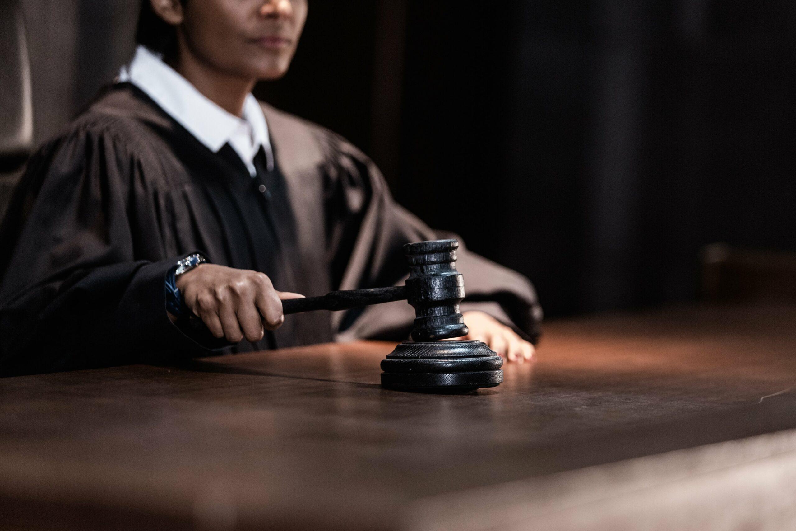 judge-slamming-down-a-gavel